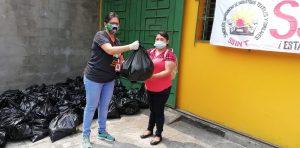 ORMUSA entrega paquetes alimenticios a 190 mujeres desempleadas de maquila durante la emergencia COVID-19