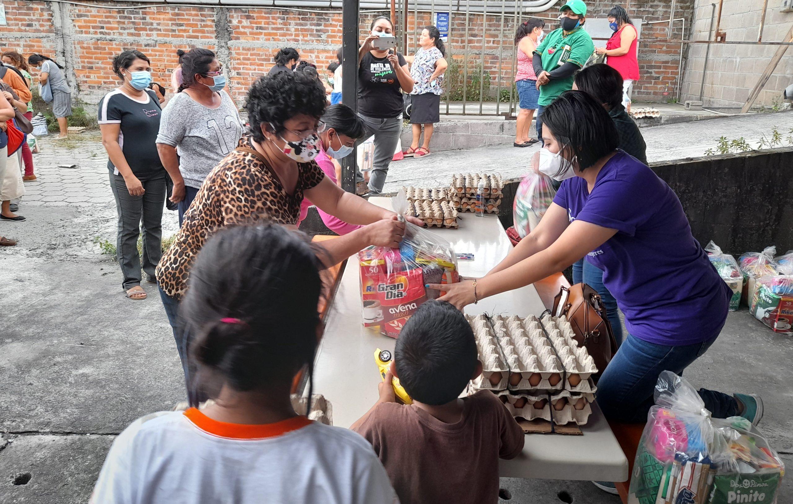 Ormusa entregó canastas básicas alimenticias a 100 mujeres despedidas durante la pandemia