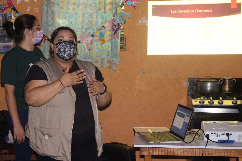 Lee más sobre el artículo ORMUSA en el territorio, capacita sobre derechos humanos y violencia contra la mujer a mujeres de Olocuilta