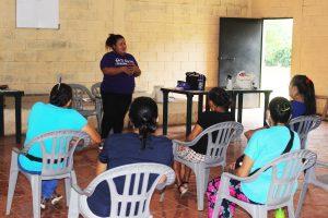 Lee más sobre el artículo ORMUSA en el territorio, desarrolla jornada sobre prevención de violencia con mujeres de Cantón El Conacaste, Ciudad Arce