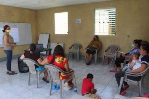 Lee más sobre el artículo ORMUSA en el territorio, realiza jornada de capacitación con extrabajadoras de maquila en Comunidad El Achiotal, municipio de San Pedro Masahuat